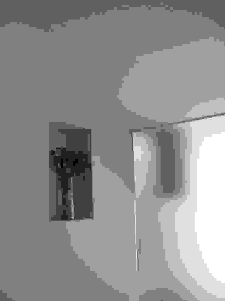 Rehabilitación apartamento en Gracia Casas de estilo moderno de EM_DEPLO Moderno