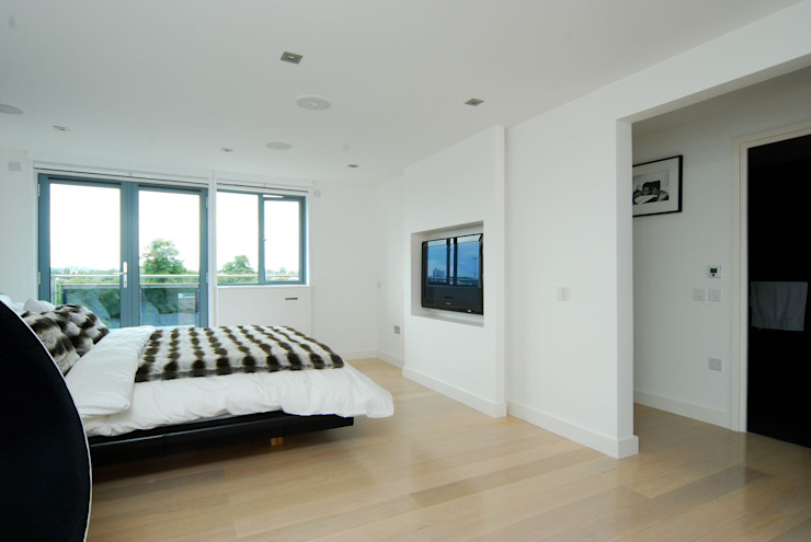 London Penthouse Refurbishment by Ashville Inc