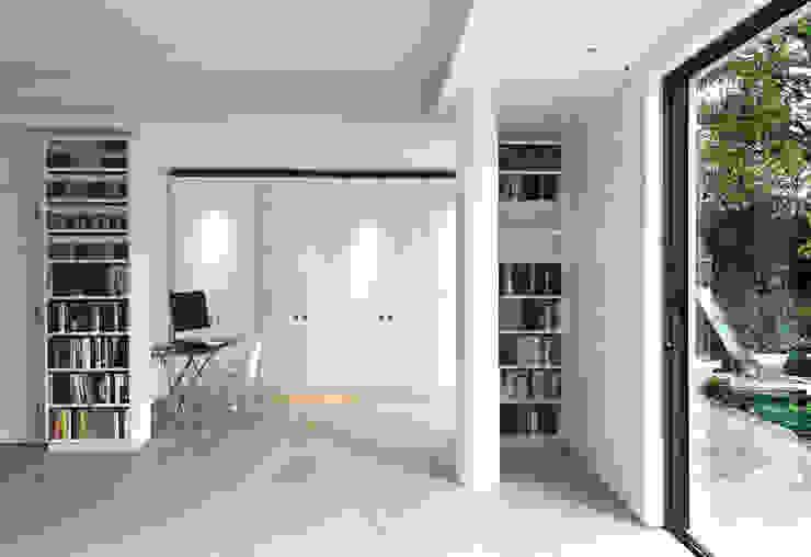 Aberdeen Park, Highbury Emmett Russell Architects Modern living room