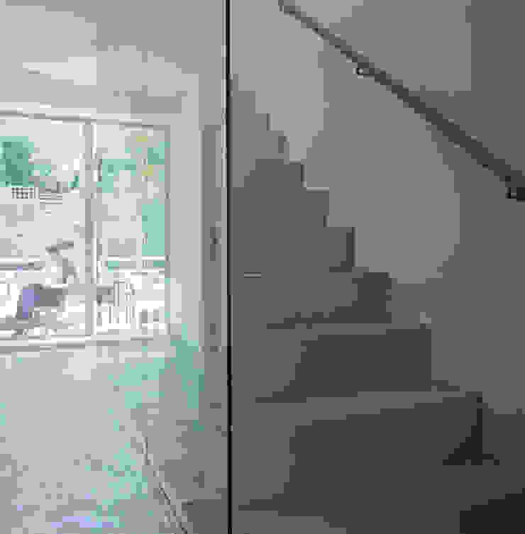 Hillside Houses, Montpelier Modern corridor, hallway & stairs by Emmett Russell Architects Modern