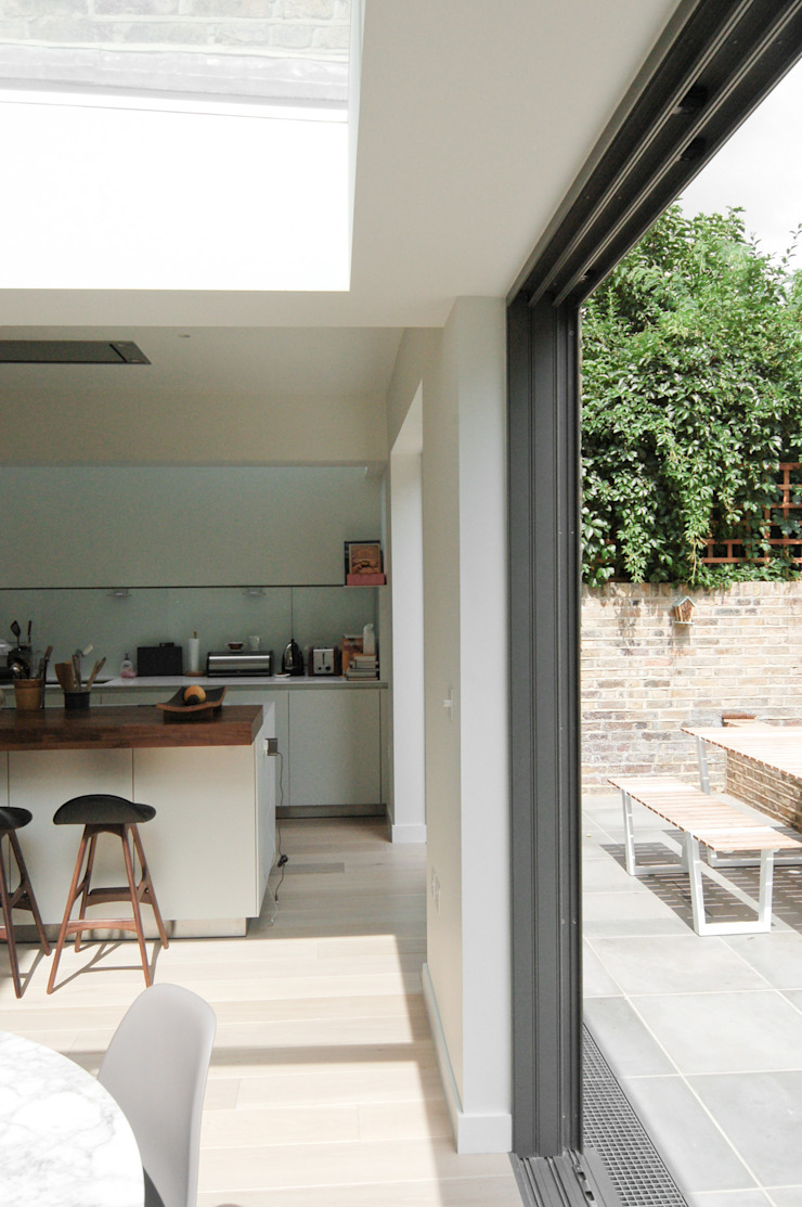 Lilyville Road, Fulham Kitchen by Emmett Russell Architects