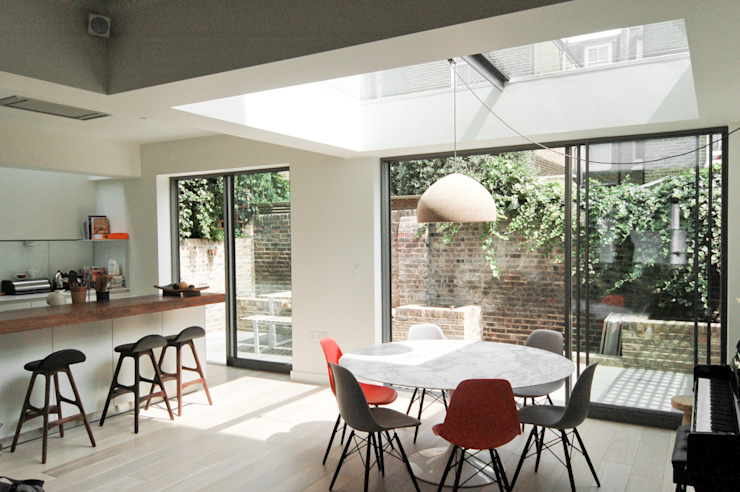 Lilyville Road, Fulham Dining room by Emmett Russell Architects