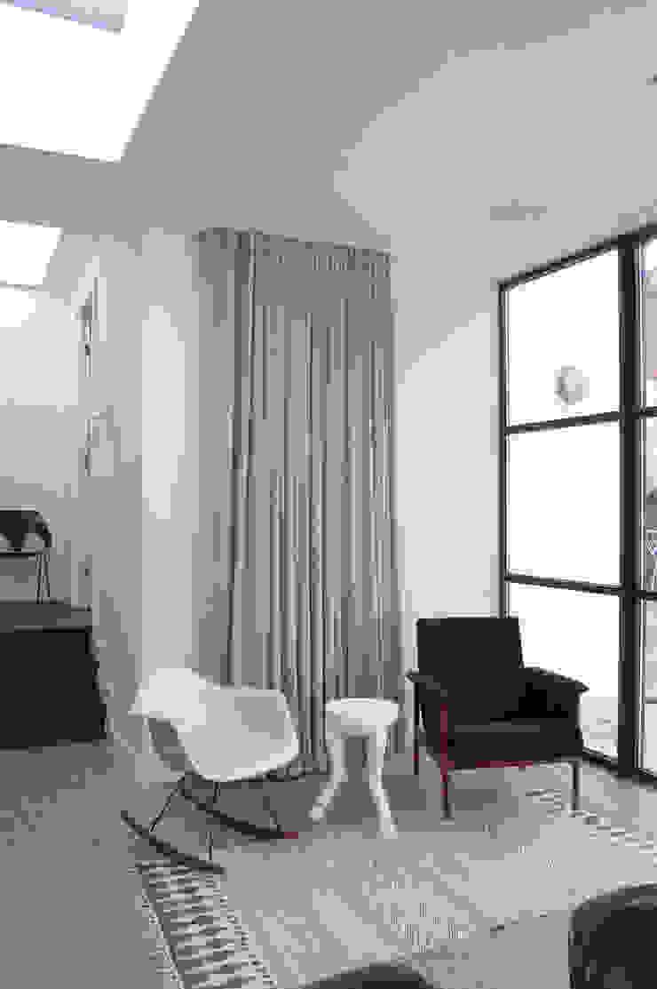 Mortimer Road, De Beauvoir Living room by Emmett Russell Architects