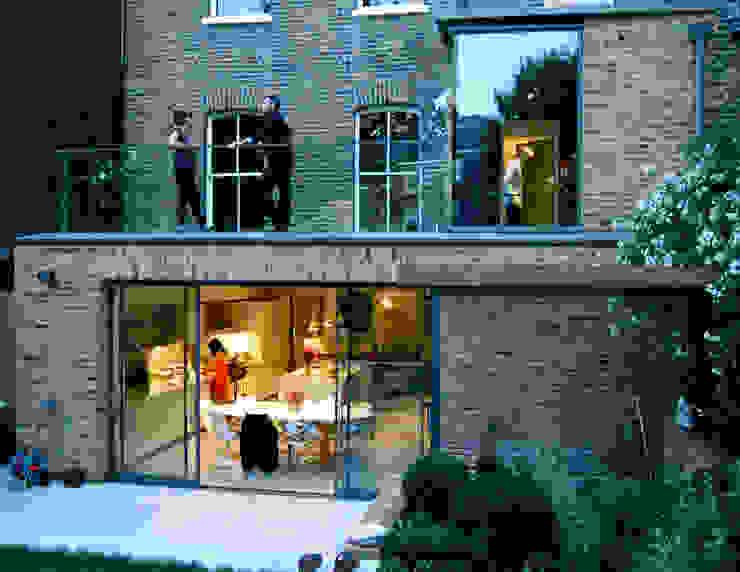 Alwyne Place, Islington Balcony, veranda & terrace by Emmett Russell Architects
