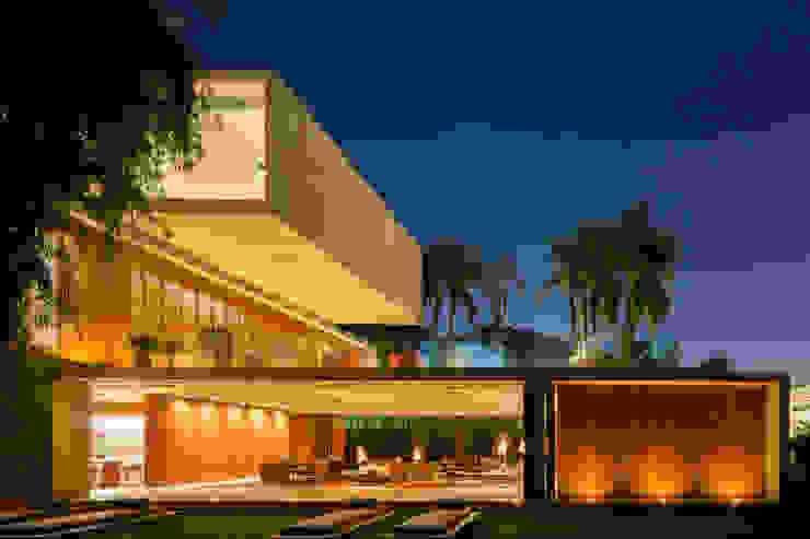 P House Casas modernas por Studio MK27 Moderno