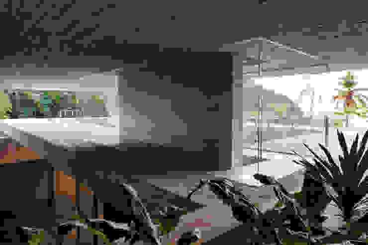 Paraty House Portas e janelas modernas por Studio MK27 Moderno