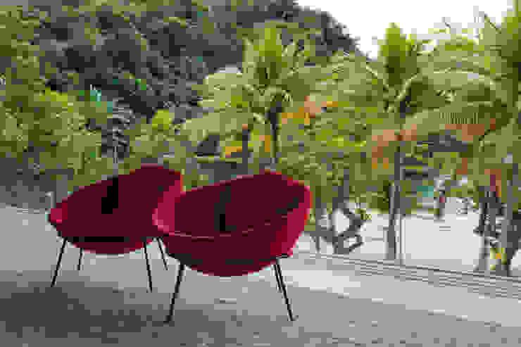 Paraty House Varandas, alpendres e terraços modernos por Studio MK27 Moderno