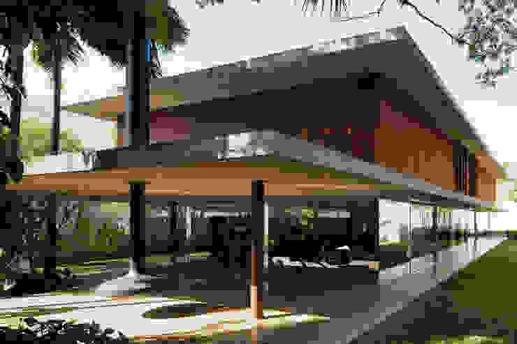 Studio MK27 Casas de estilo moderno