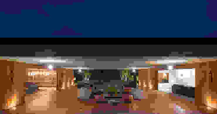 M&M House Varandas, alpendres e terraços modernos por Studio MK27 Moderno