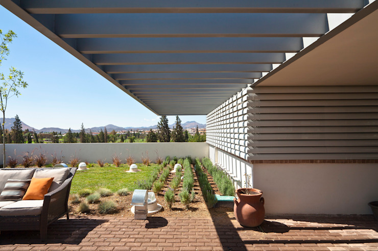 Modern style balcony, porch & terrace by ARQUITECTURA EN PROCESO Modern