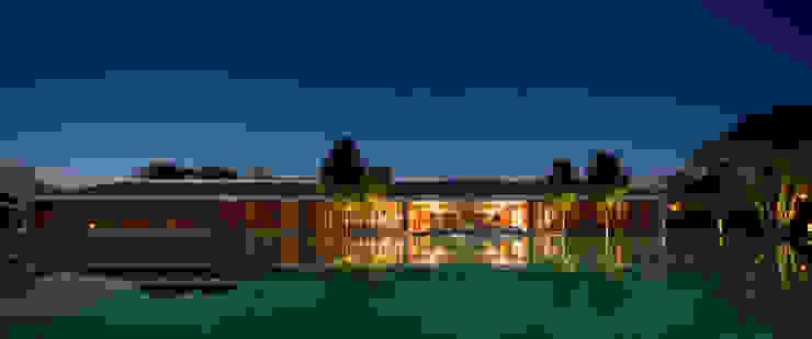 Casas de estilo moderno de Studio MK27 Moderno
