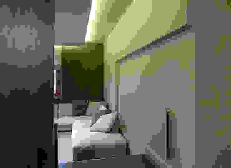 Minimalist living room by Alessandra Vellata Architetto Minimalist