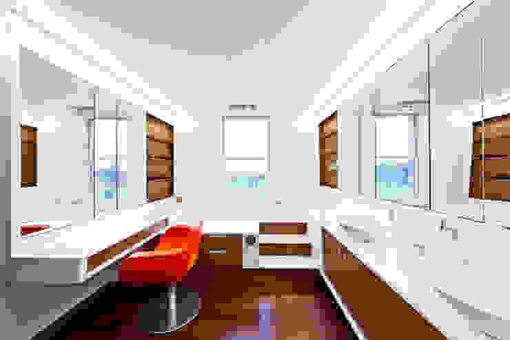 RESIDENCIA R: Baños de estilo  por ARQUITECTURA EN PROCESO, Minimalista