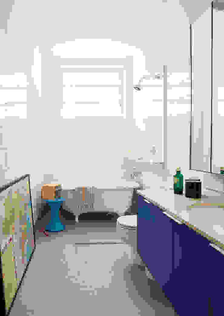 Residência Maranhão Mauricio Arruda Design Banheiros ecléticos