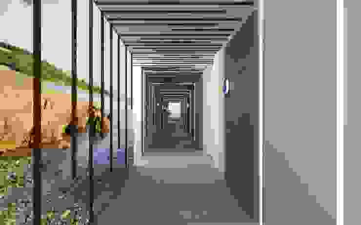 Proyecto 3D Pasillos, vestíbulos y escaleras de Realistic-design