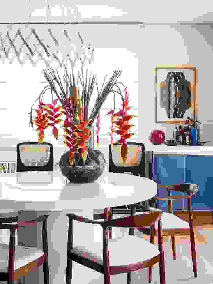 Comedores de estilo ecléctico de Mauricio Arruda Design Ecléctico
