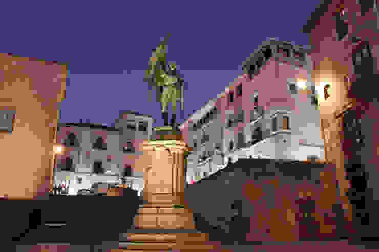 Muralla en La Alhóndiga, Segovia Museos de estilo clásico de Ear arquitectura Clásico Piedra