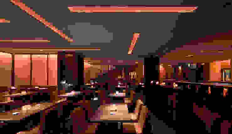 NOBU(ARMANI)_2007 Negozi & Locali commerciali in stile minimalista di G*AA - Giaquinto Architetti Associati Minimalista