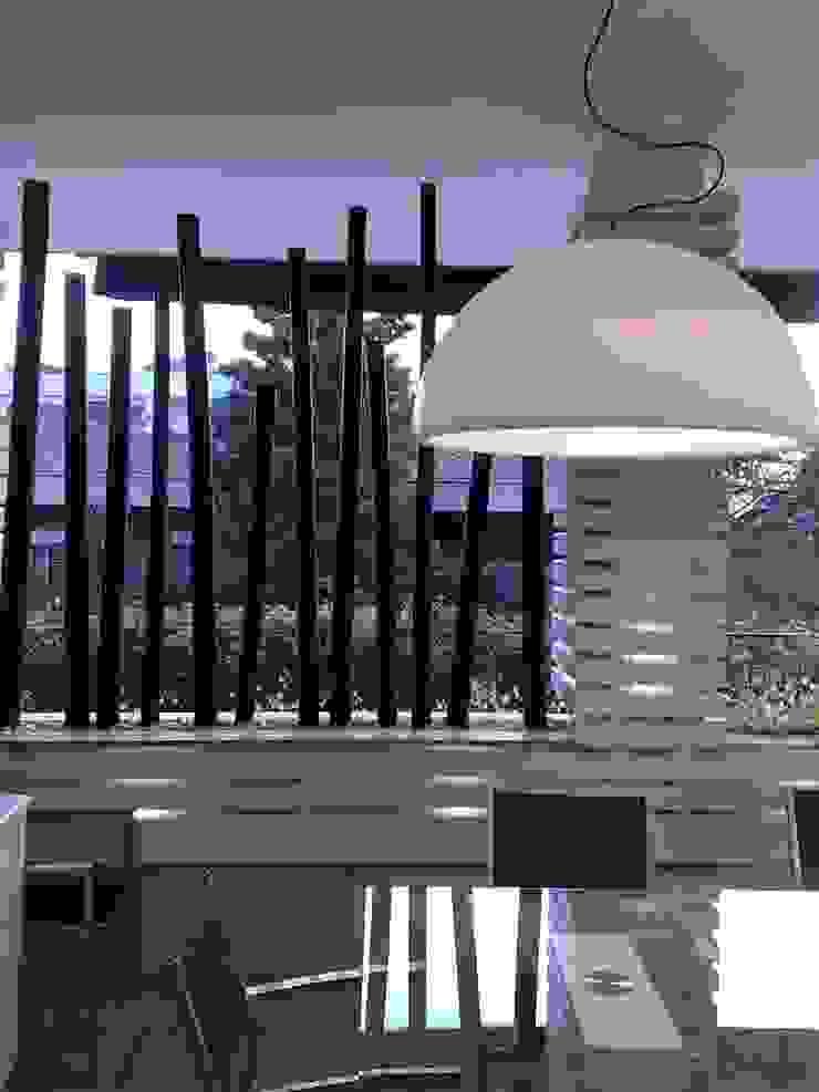 canne di bamboo Balcone, Veranda & Terrazza in stile moderno di Fabio Valente Studio di architettura e urbanistica Moderno