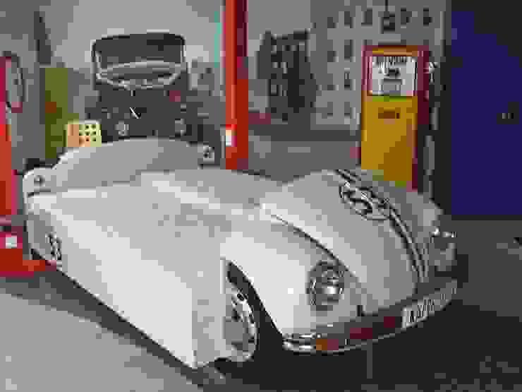 غرفة نوم من Automöbeldesign