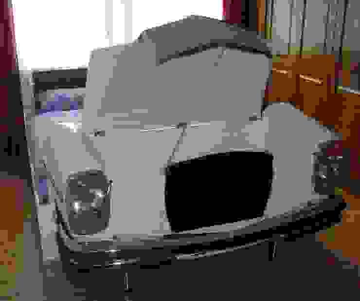 Mercedes W 114 Bett Schlafzimmer von Automöbeldesign