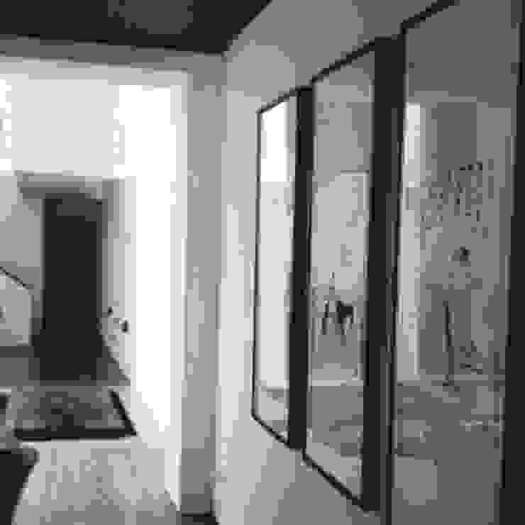 living room corridoor Eclectic style living room by elliot James Pte Ltd Eclectic