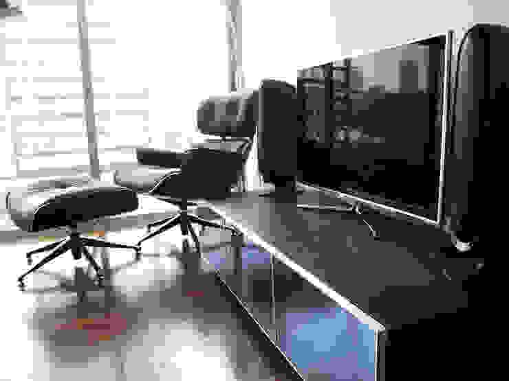 Living room Modern living room by elliot James Pte Ltd Modern