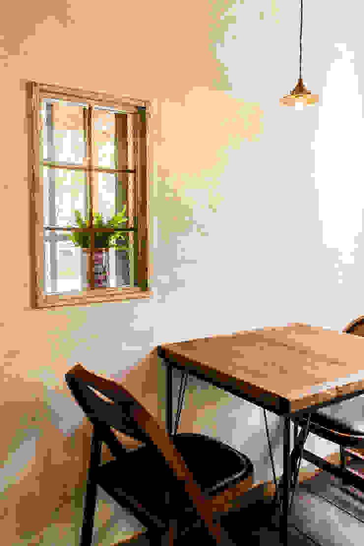 cafe MON marushime アジア風レストラン の 株式会社シーンデザイン建築設計事務所 和風