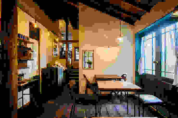 cafe MON marushime: 株式会社シーンデザイン建築設計事務所が手掛けたレストランです。,和風