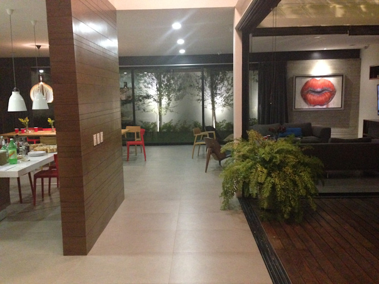 CASA VILLA PALMAS Pasillos, vestíbulos y escaleras modernos de DA:HAUS Moderno