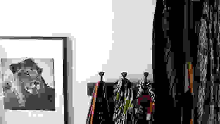 Ingresso, Corridoio & Scale in stile eclettico di Harfang Decoration Eclettico