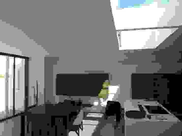 Extenstion d'une habitation par agence anthony costa architecte Moderne