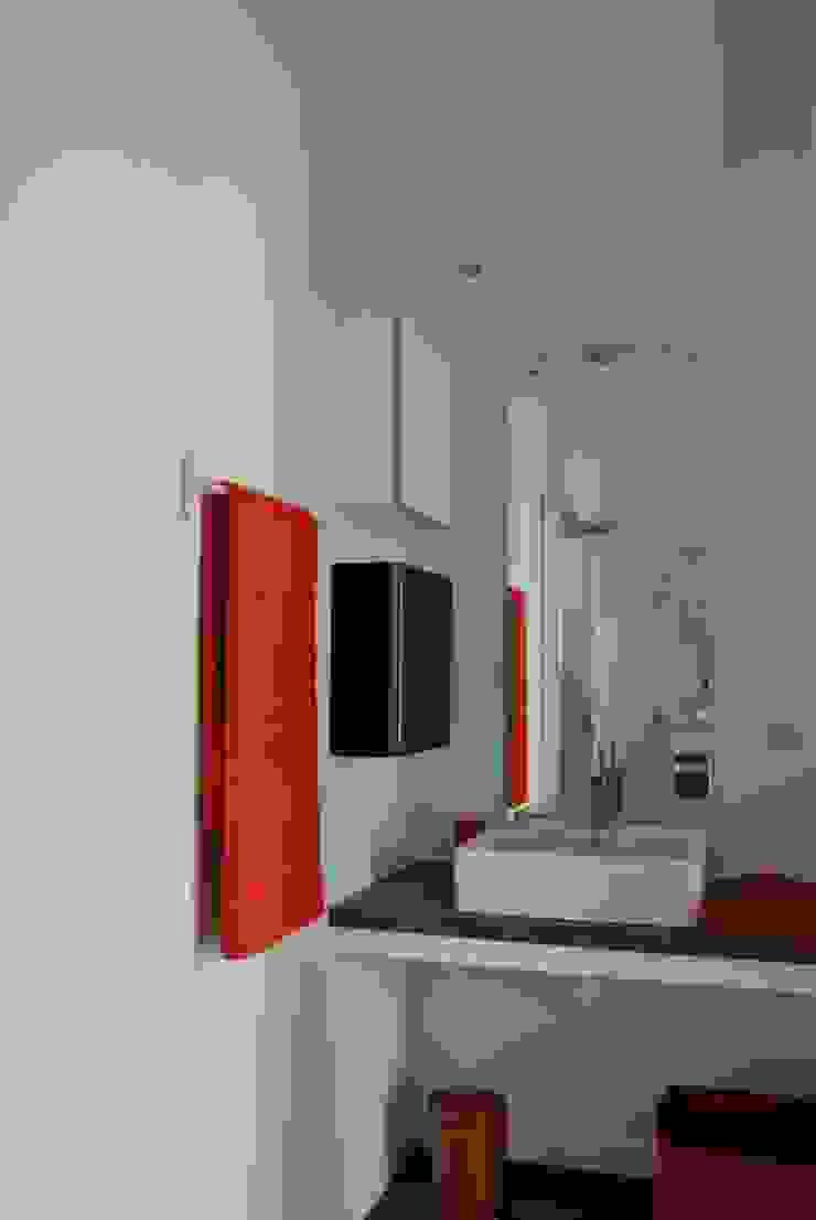 SDE Salle de bain moderne par agence anthony costa architecte Moderne