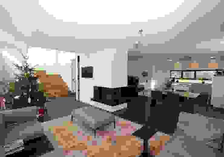 Casas estilo moderno: ideas, arquitectura e imágenes de Udo Ziegler | Architekten Moderno