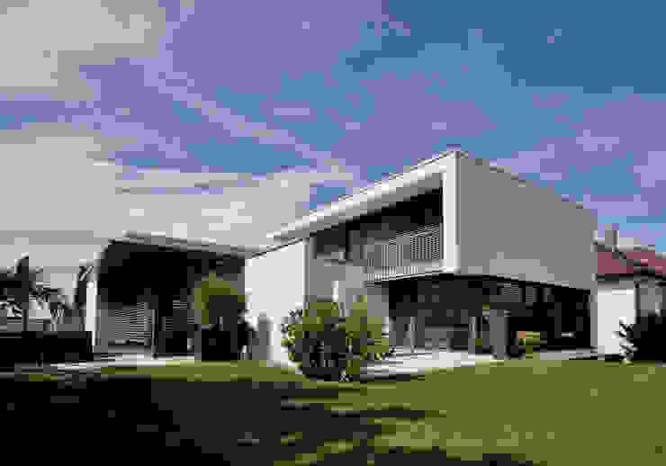 Versteckter Zwilling Moderne Häuser von Udo Ziegler | Architekten Modern