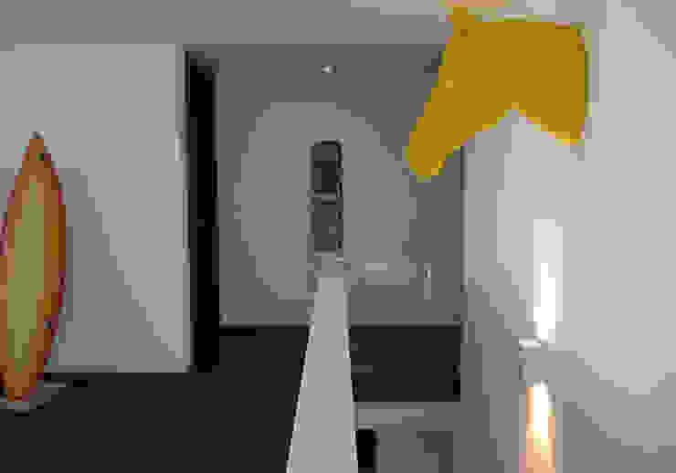 Versteckter Zwilling Moderne Häuser von Udo Ziegler   Architekten Modern
