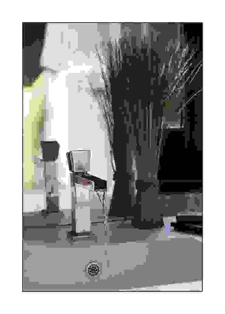 salle de bain Salle de bain moderne par Before After Home Moderne