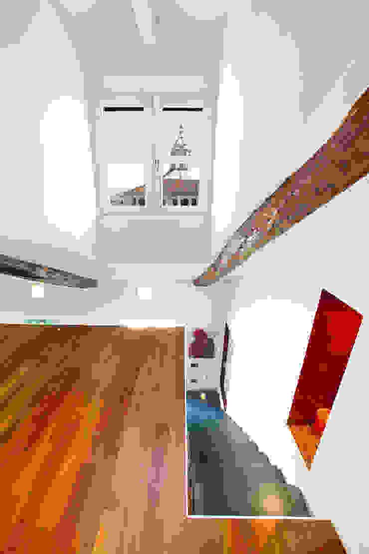VIA DELLA CONSOLATA_2007 Case in stile minimalista di G*AA - Giaquinto Architetti Associati Minimalista