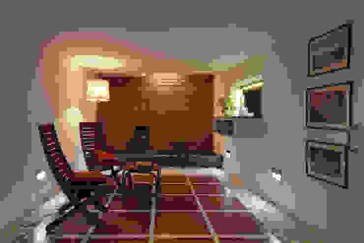 Internal courtyard: modern  by Gaurav Roy Choudhury Architects,Modern