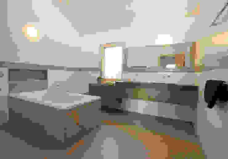 Langhaus Moderne Häuser von Udo Ziegler | Architekten Modern
