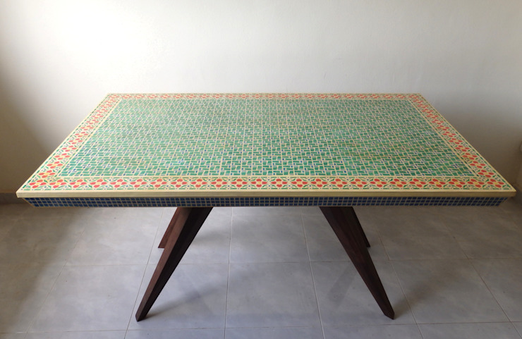 Mosaic dining table: eclectic  by Art From Junk Pte Ltd,Eclectic