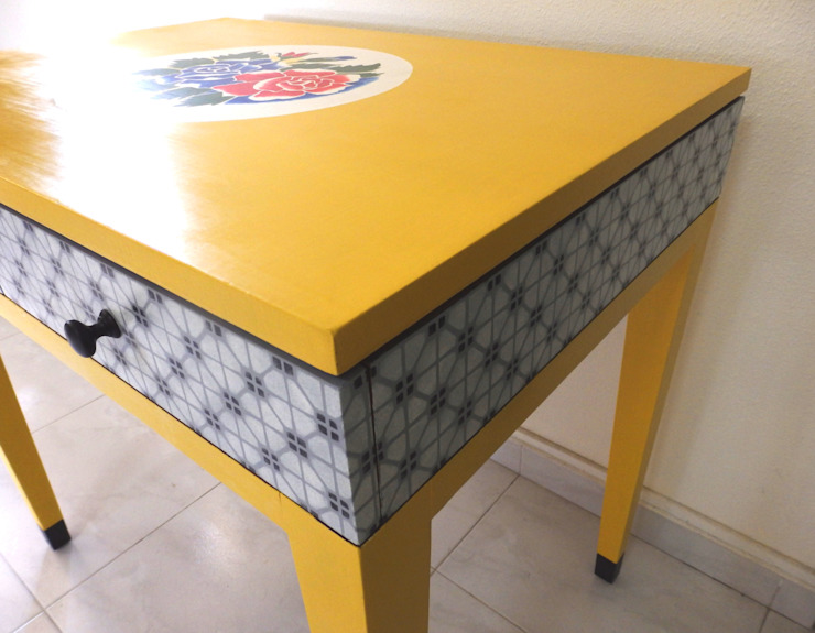 Yellow floral mosaic table: eclectic  by Art From Junk Pte Ltd,Eclectic
