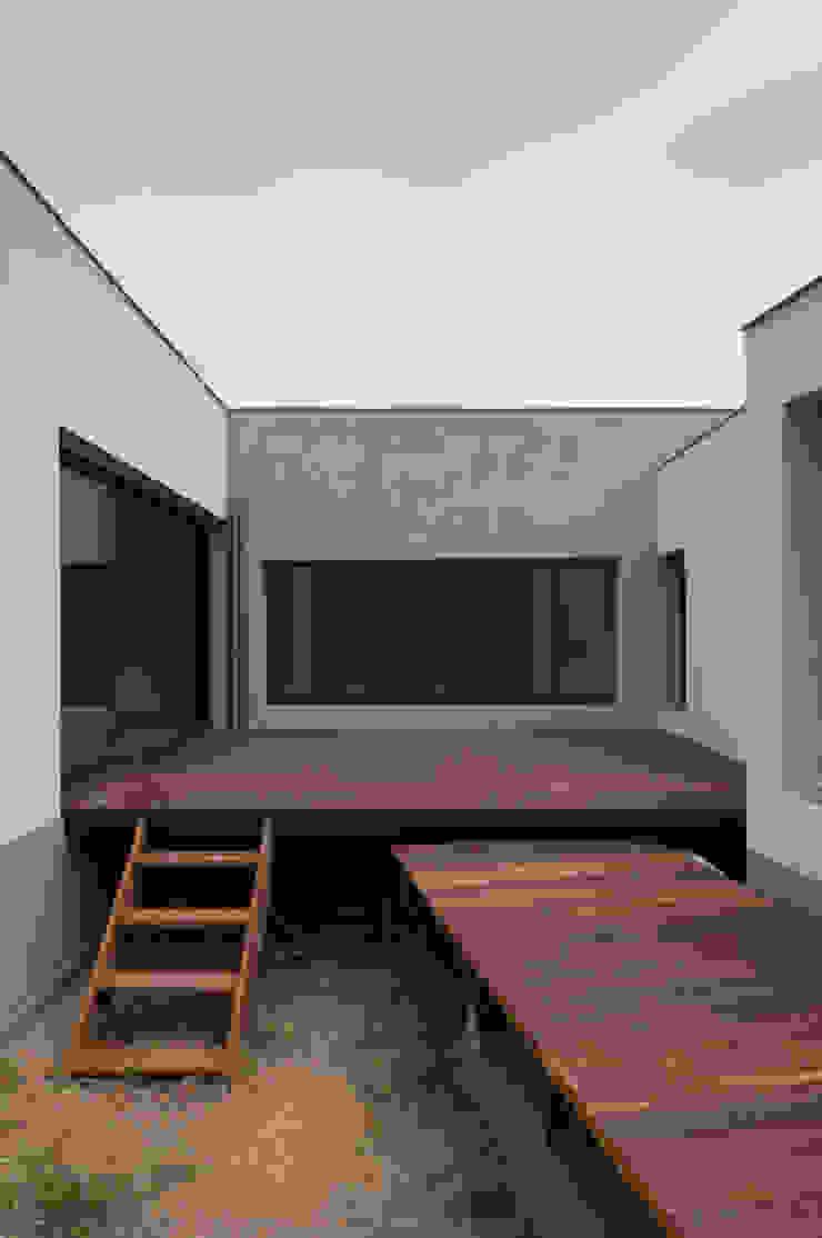 Autre vue du patio principal Maisons minimalistes par Frédéric Saint-cricq Architecte Minimaliste