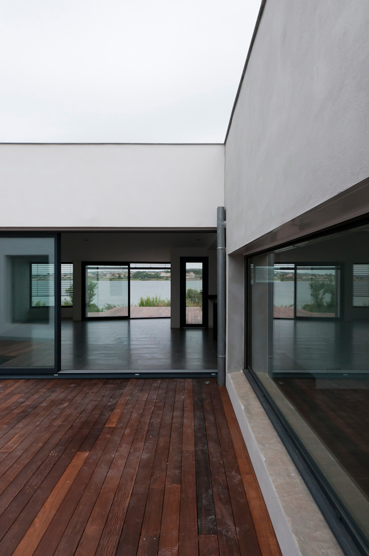 Vue du patio principal Maisons minimalistes par Frédéric Saint-cricq Architecte Minimaliste