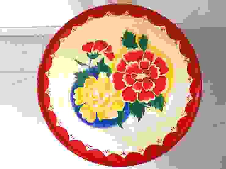 Enamel tray table by Art From Junk Pte Ltd