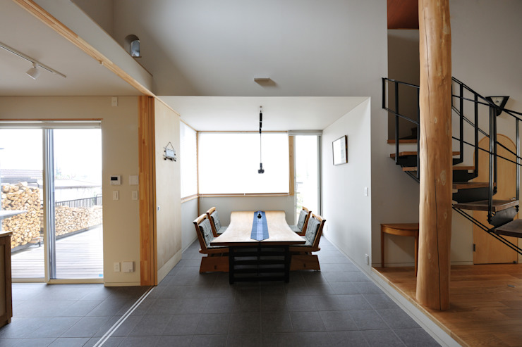 N-house モダンデザインの ダイニング の Ishimori Architects モダン
