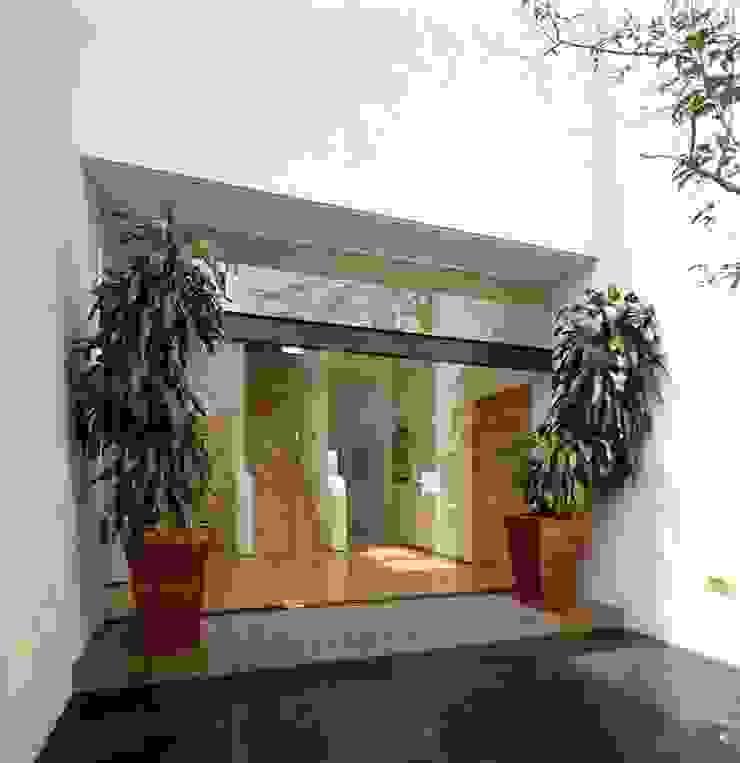 Casa Feryvale, 2006 Casas modernas de Taller Luis Esquinca Moderno