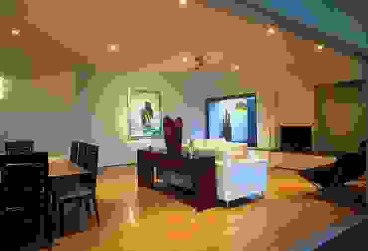 Casa Feryvale, 2006 Salones modernos de Taller Luis Esquinca Moderno
