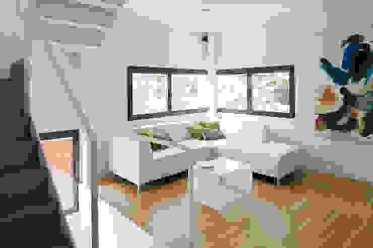 salón Livings de estilo minimalista de hollegha arquitectos Minimalista