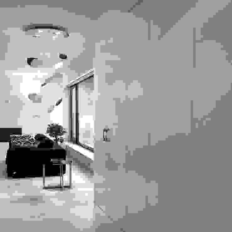 Vista dall'ingresso Soggiorno minimalista di Studio 4e Minimalista